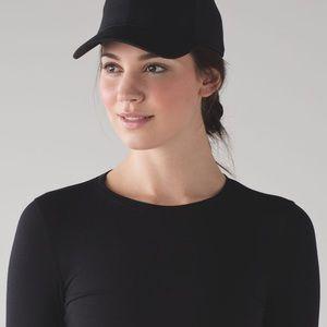 Lululemon baller hat black NWOT